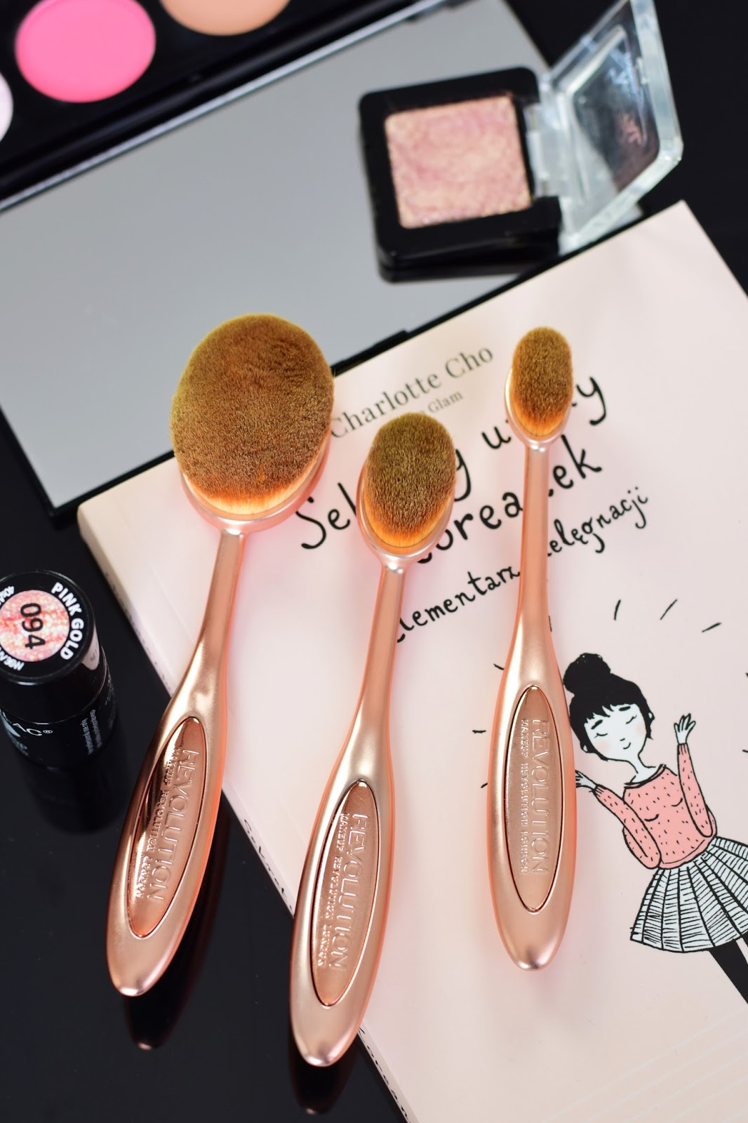 makeup_revolution_brush_oval_face_oval_cheek_oval_shape_opinie_recenzja_blog