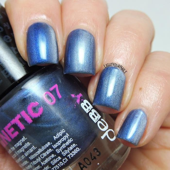 Smalto magnetico blu Debby Magnetic 07 Moon blue nail polish #debby #nails #smalto #lightyournails