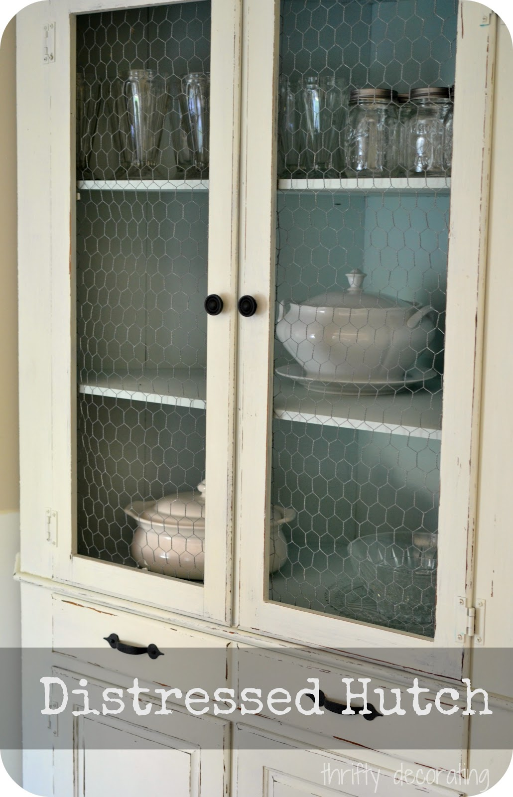 Thrifty Decorating Distressed Chalkpaint Corner Hutch