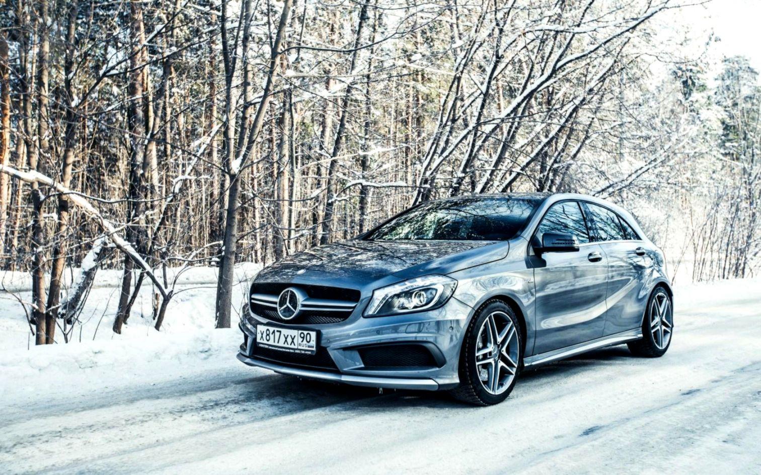Mercedes Benz Snow Desktop Background Wallpapers Hd