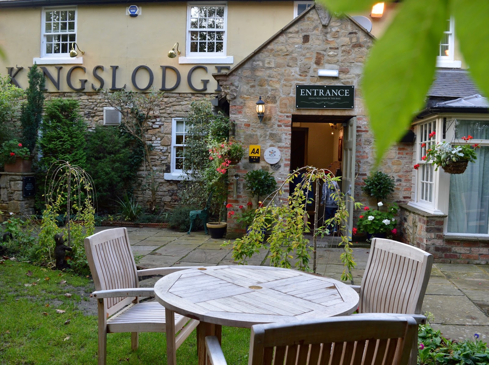 The Kingslodge Inn, Durham | A Review - A lovely budget hotel near the train station and city centre