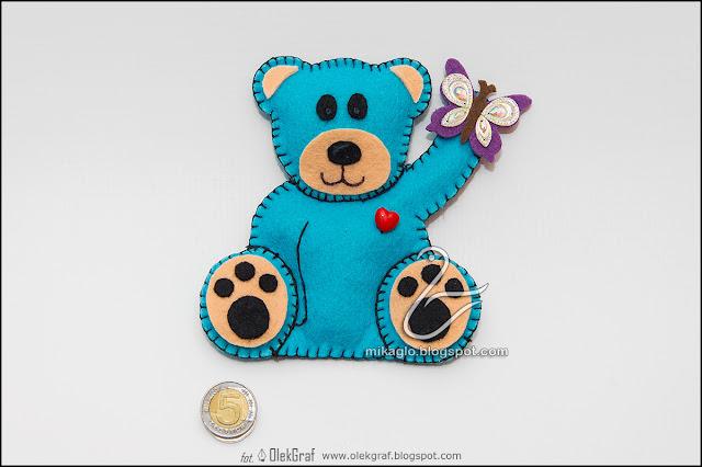428. Miś z motylkiem / Felt blue teddy bear