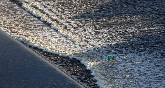 Más evacuaciones en Texas, una semana tras llegada de Harvey