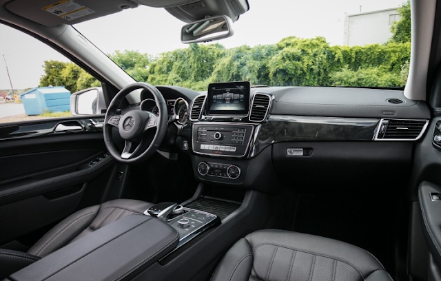 2017 Mercedes-Benz GLS450 4MATIC Interior