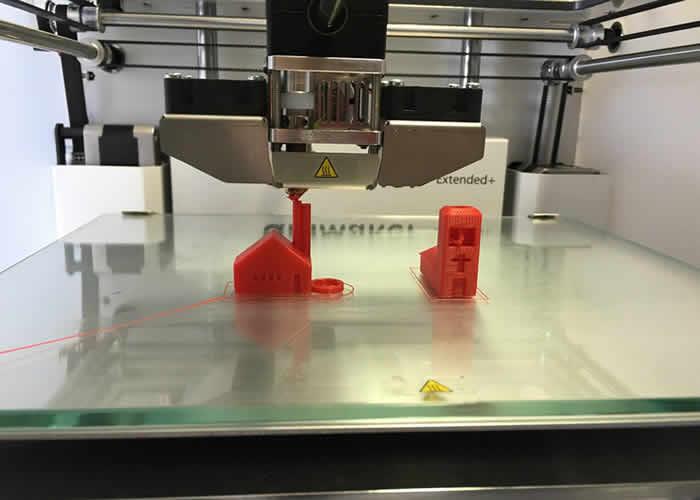 Impressora 3D, usada no Movimento Maker