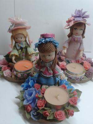 Swiecznik z zimnej porcelany z lalką