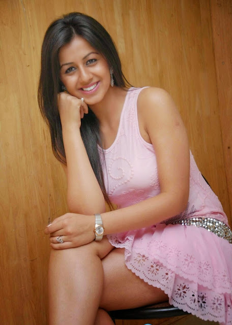 Nikki Galrani hot thighs