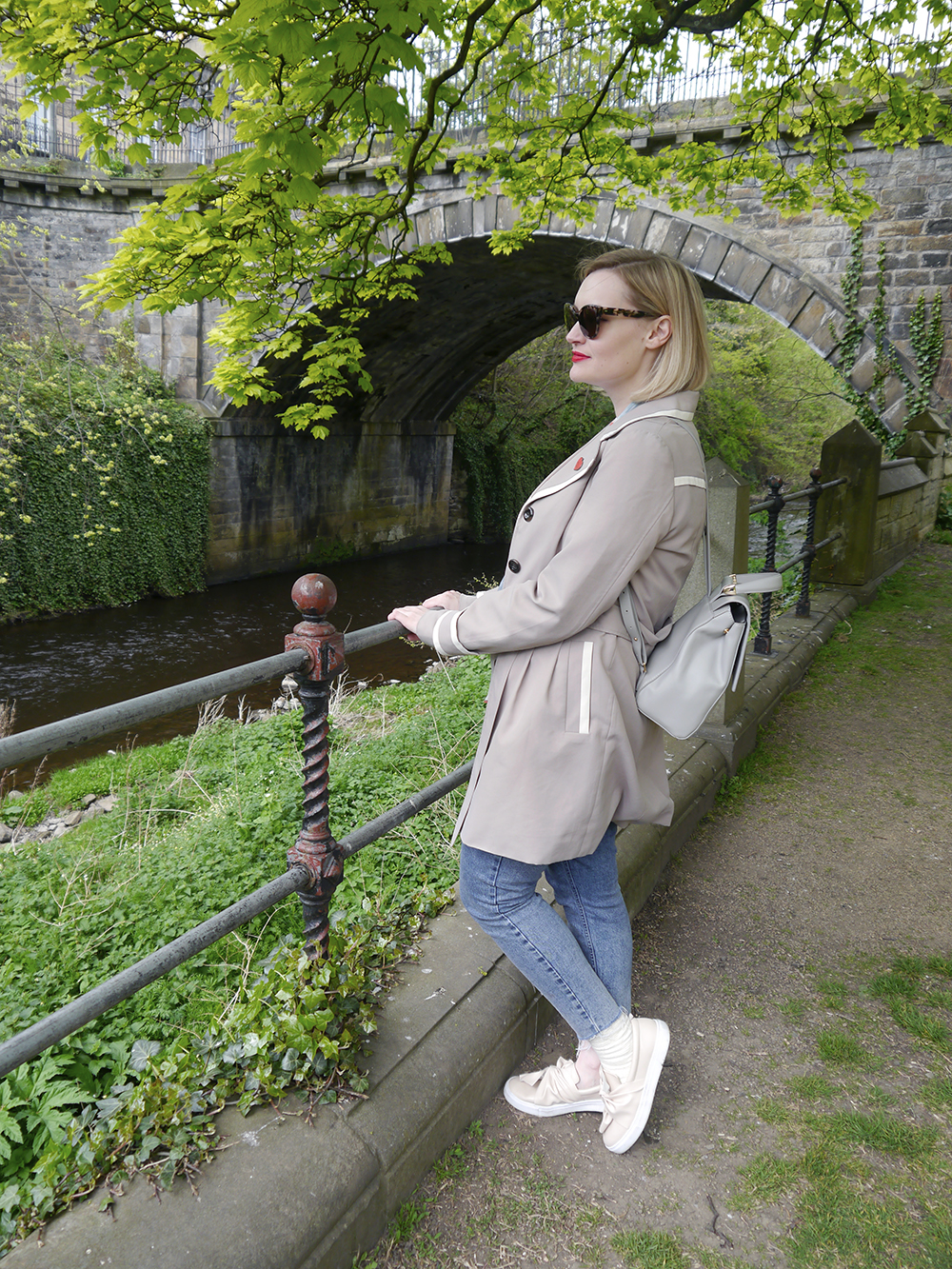 IOLLA Swinton tortoise shell sunglasses, IOLLA glasses, photoshoot in Stockbridge, oversized tortoishell catseye sunglasses, Water of Leith walk, Dean Village Edinburgh walk, Edinburgh tips,