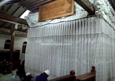 Makam Sunan Muria di Kudus Jawa Tengah