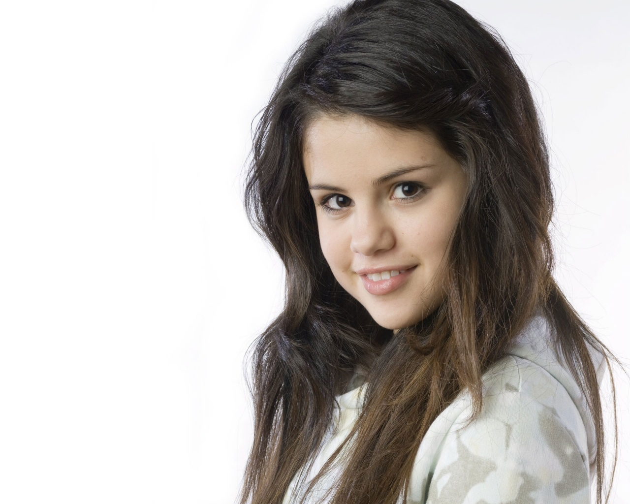 Free Selena Gomez Hd Wallpapers: HD Wallpapers: Selena Gomez HD Wallpapers
