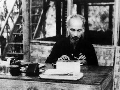 TS. Lê Thị Tuyết - Hồ Chí Minh với việc truyền bá chủ nghĩa Mác - Lênin vào Việt Nam