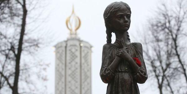 Порошенко пропонує прийняти закон про відповідальність за невизнання Голодомору