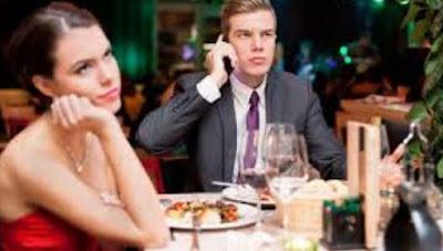Tipe Kekasih Yang Tak Layak Untuk Anda Pertahankan