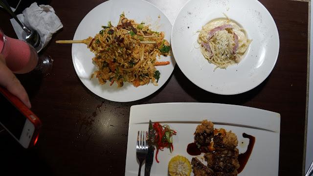 Menu makan malam ala OMG Cafe Pontianak