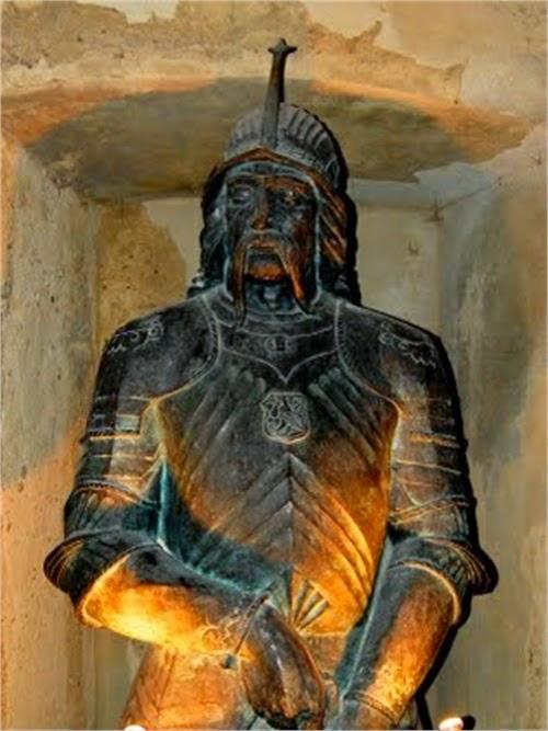 Statue in corvin castle
