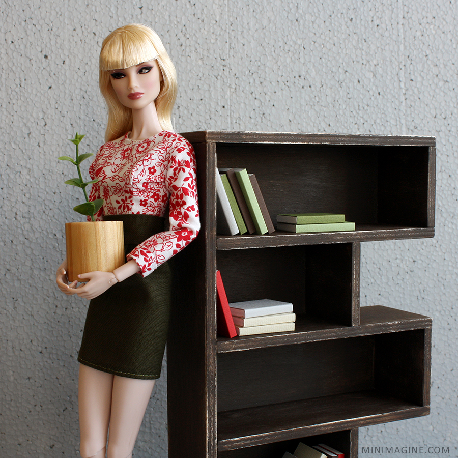 Imogen Fashion Royalty doll - sixth scale furniture