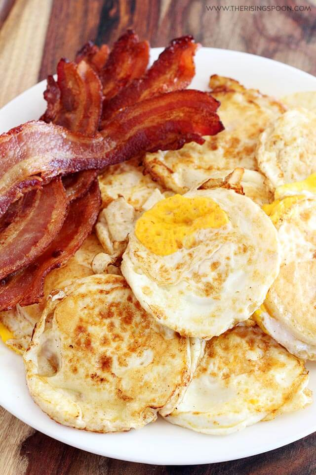 Eggs & Bacon For English Muffin Breakfast Sandwich Recipe
