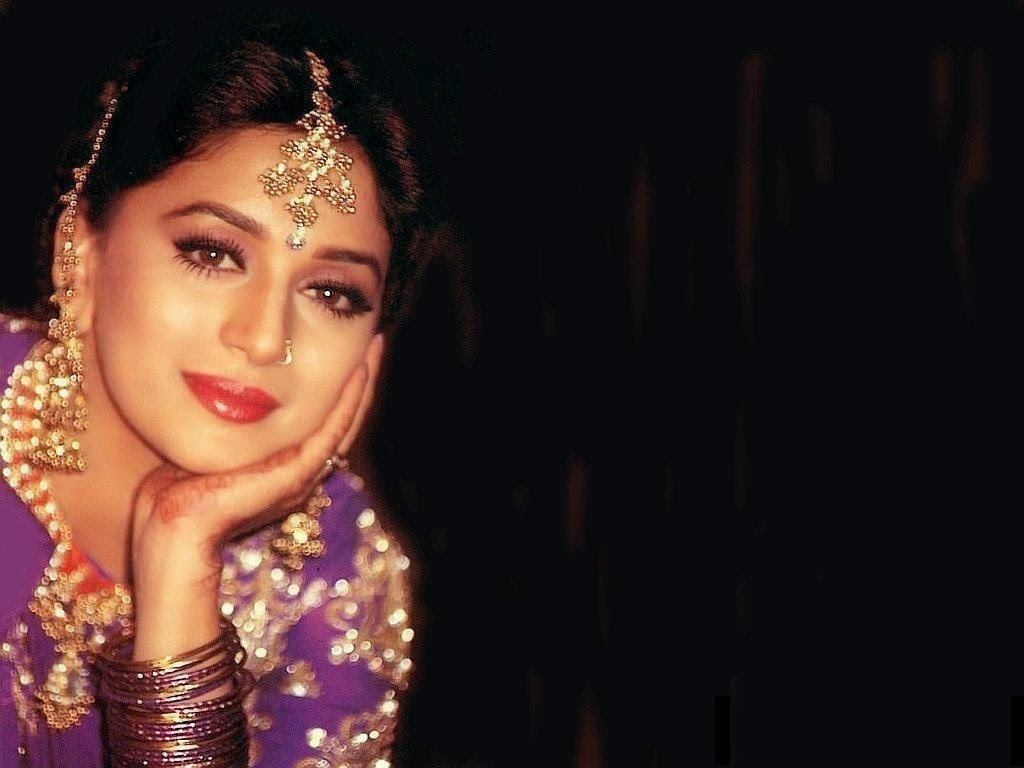 Madhuri Dixit Wallpapers Free Download  Indian Hd -4839