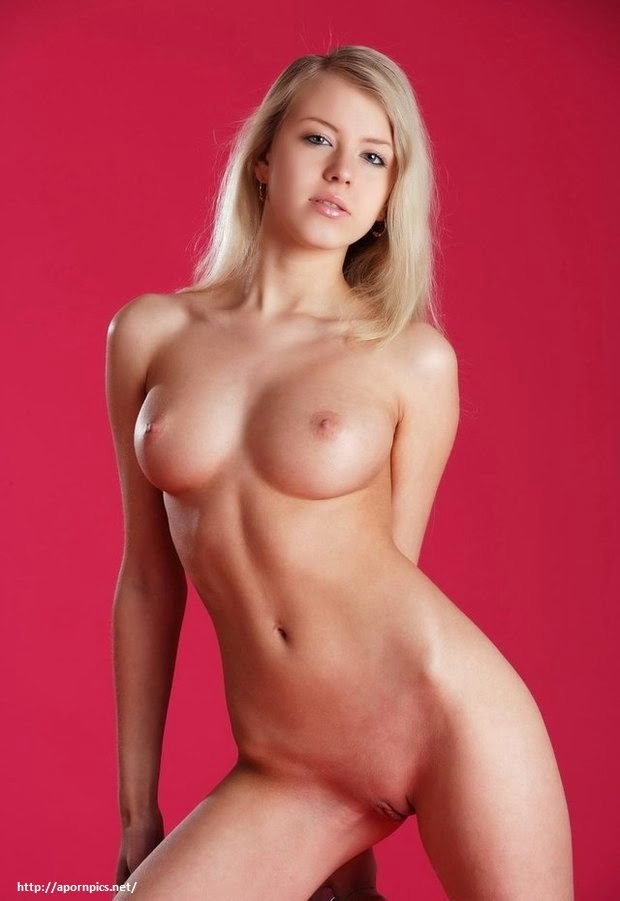 Hot Blonde Babes Nude