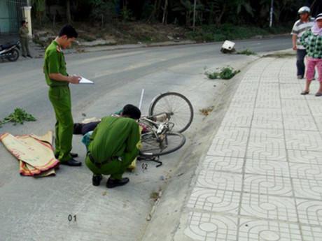 Hàng chục cảnh sát khoanh vùng tài xế tông chết người
