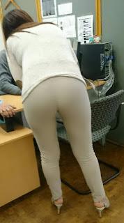 chicas sexys pantalones ajustados
