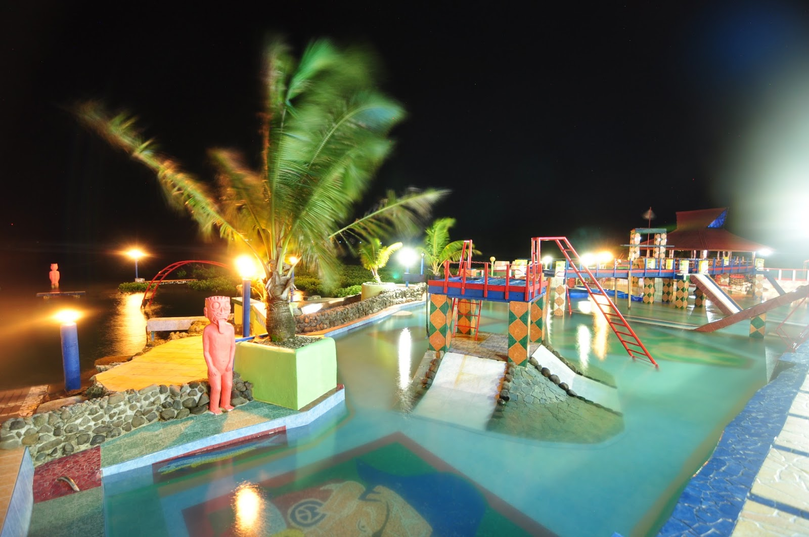 Pirates Cove Beach & Surf Resort