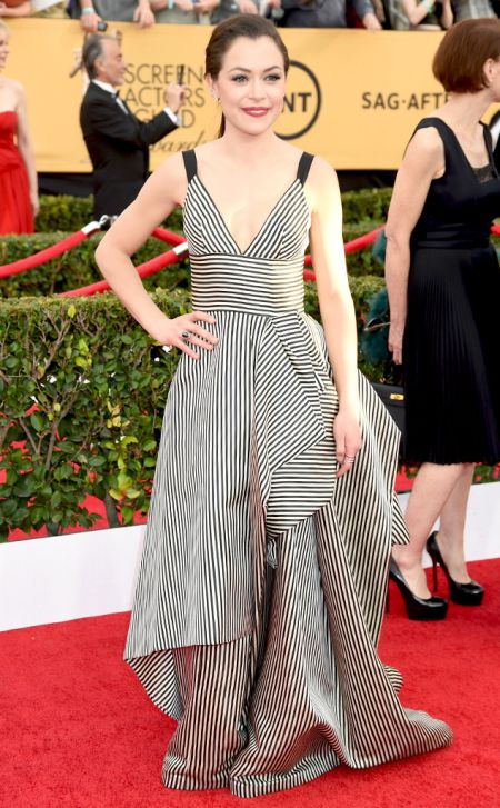 Tatiana Maslany in Oscar de la Renta at the SAG Awards 2015