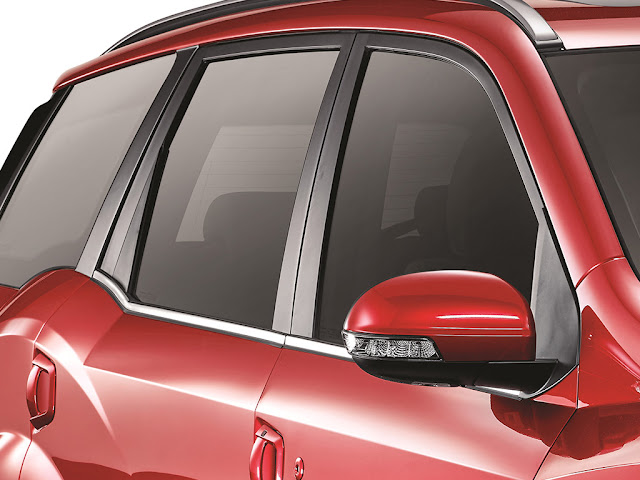 2018 New XUV 500 side look windows
