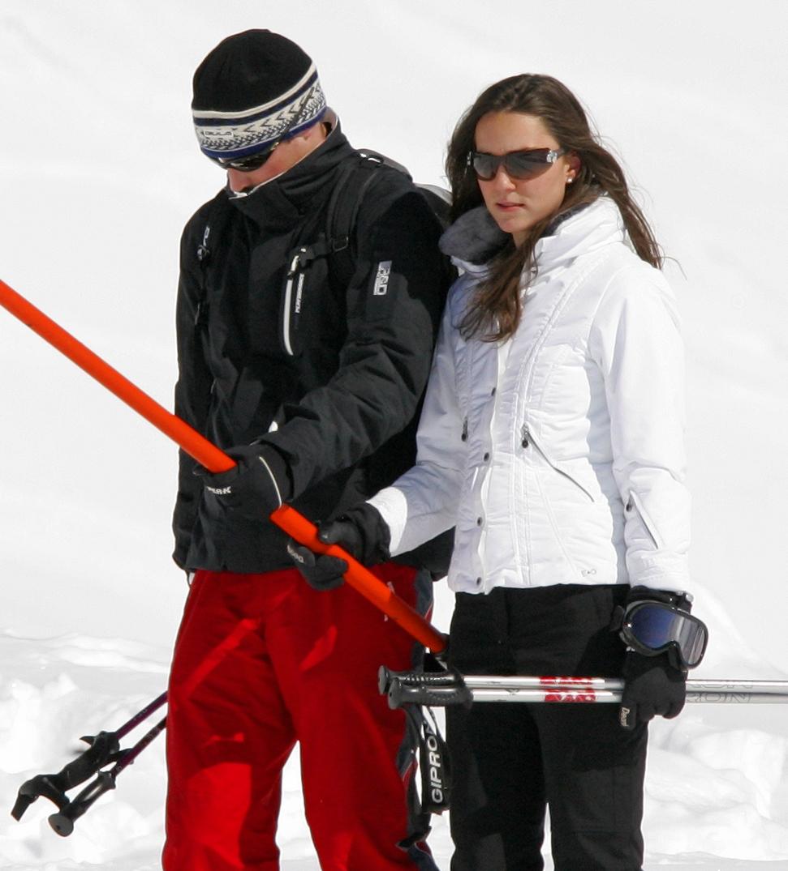 Style Stealer  Kate Middleton  Kate Middleton s Ski Clothing f443da2ff
