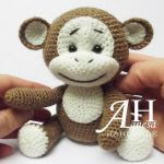http://www.craftsy.com/pattern/crocheting/toy/crochet-monkey/188207?rceId=1454274888210~5ggu34j9