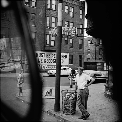 http://joeinct.tumblr.com/post/154452640237/june-19-1961-chicago-photo-by-vivian-maier