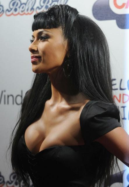 Busty black black woman   Hot foto)