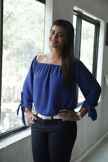 Actress Iyshwarya Rajesh Pictures in Jeans at Aarathu Sinam Movie Interview  0002.jpg