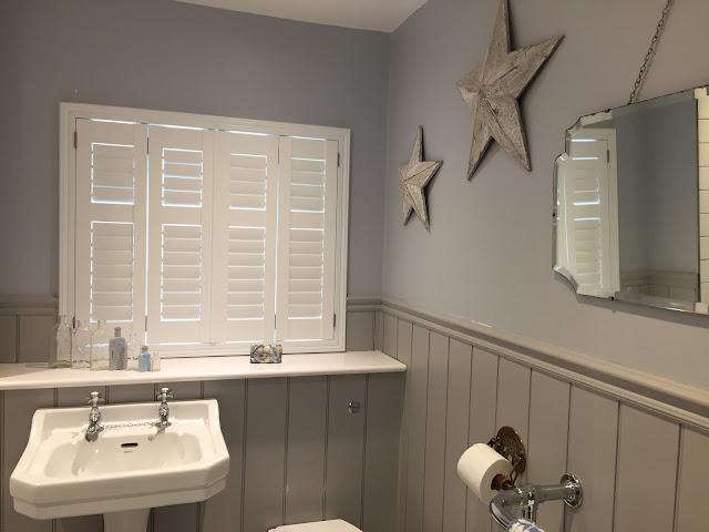 victorian traditional vintage style bathroom