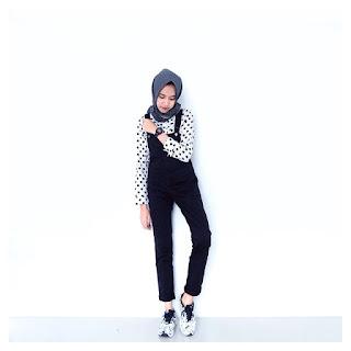 30 Model Baju Muslim Modis Untuk Remaja Masa Kini