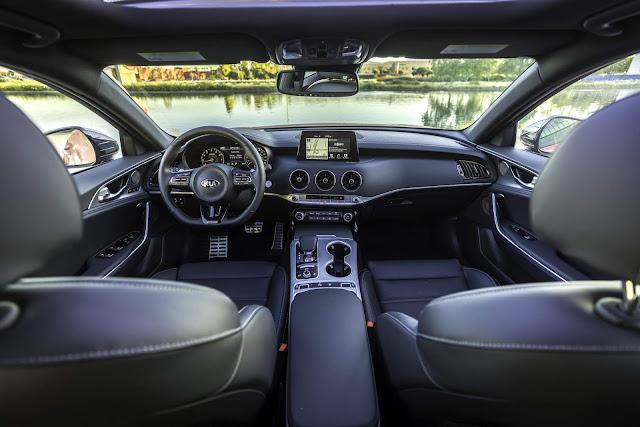 Novo Kia Stinger 2018 - interior