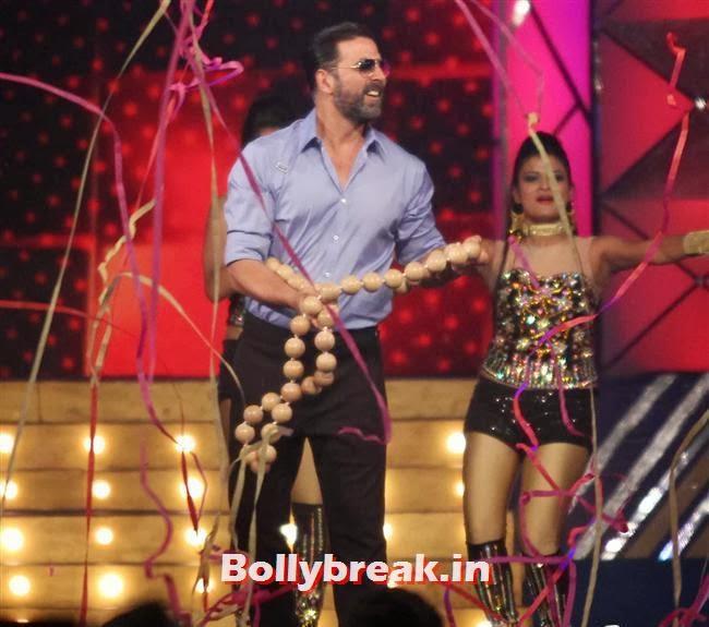 Akshay Kumar, Bollywood Celebs at Umang Police Show 2014