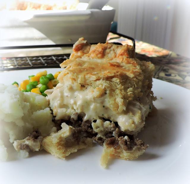 Hamburger & Chicken Pie