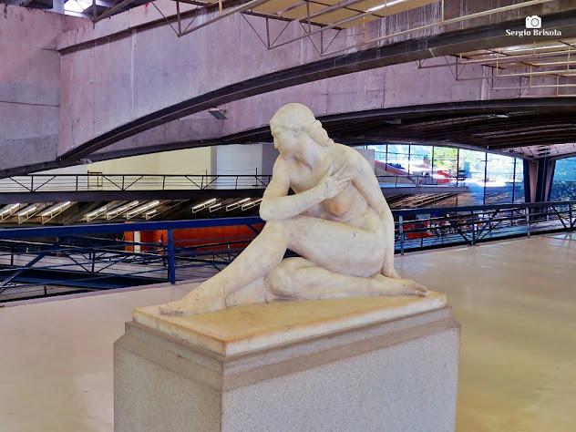 Close-up da Escultura Eva - Centro Cultural São Paulo - Paraíso
