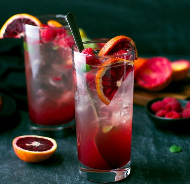 BLOOD ORANGE AND RASPBERRY MOJITO #cocktails #drinkrecipe