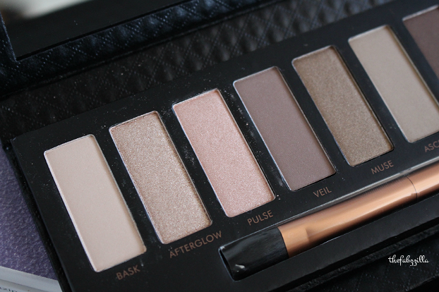 Borghese Eclissare Color Eclipse Shadow and Light Luminous Eye Palette, review, swatch, daytime smokey eyes