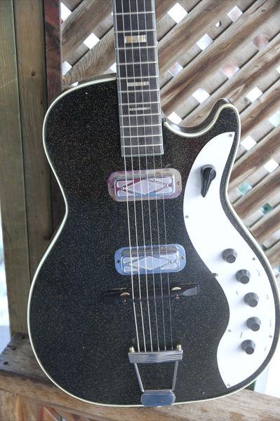 Canadian Vintage Guitar Hunt: 1960 SILVERTONE 1423 ...