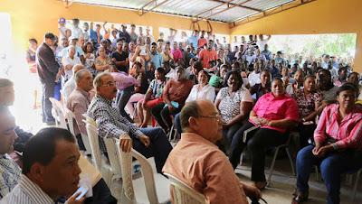 VIDEO: En Visita Sorpresa Danilo apoya a productores de El Palmar, Neiba