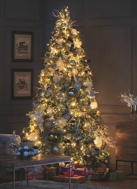 metallic gold and silver Christmas tree idea