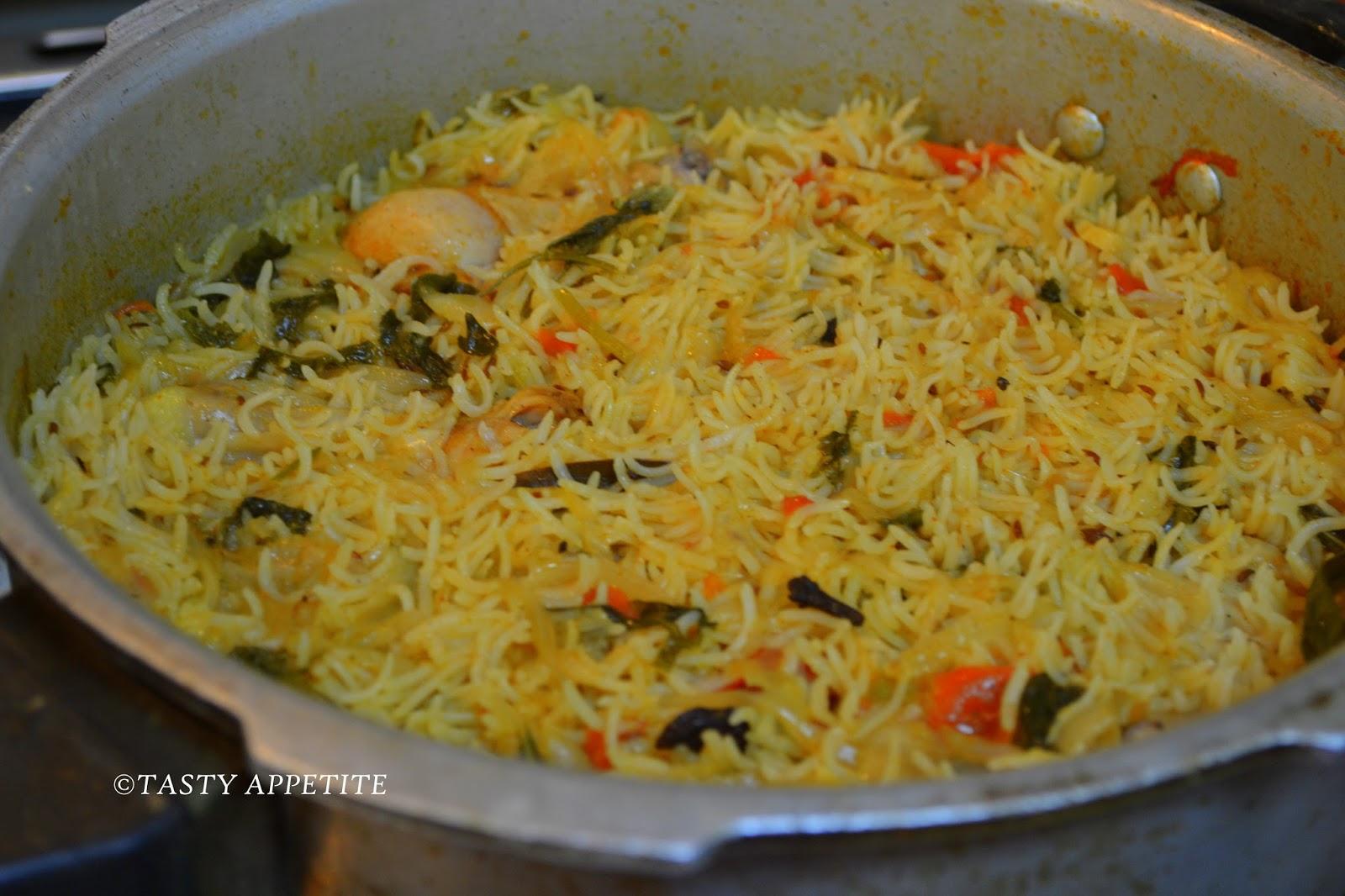 How To Make Anjappar Style Chicken Biryani Spicy Biryani Recipes