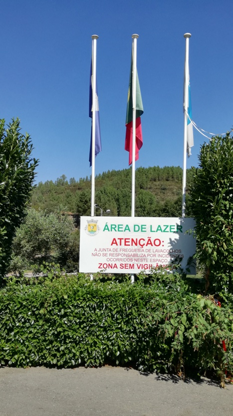 Bandeiras área de Lazer Lavacolhos