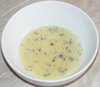 sosuri, dressing pentru cartofi copti, dressing de usturoi si rozmarin, retete culinare,