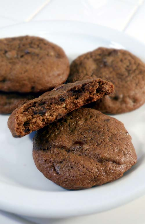Flourless Dark Chocolate Chip Cookies. Made with DIY oat flour instead of all-purpose flour to avoid gluten. Brown rice flour can be used as well. They're terrific!