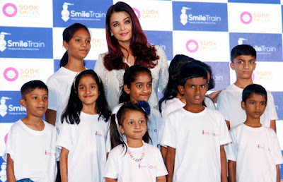 Aishwarya-Rai-Bachchan-poses-with-clef-lips-treated-kids