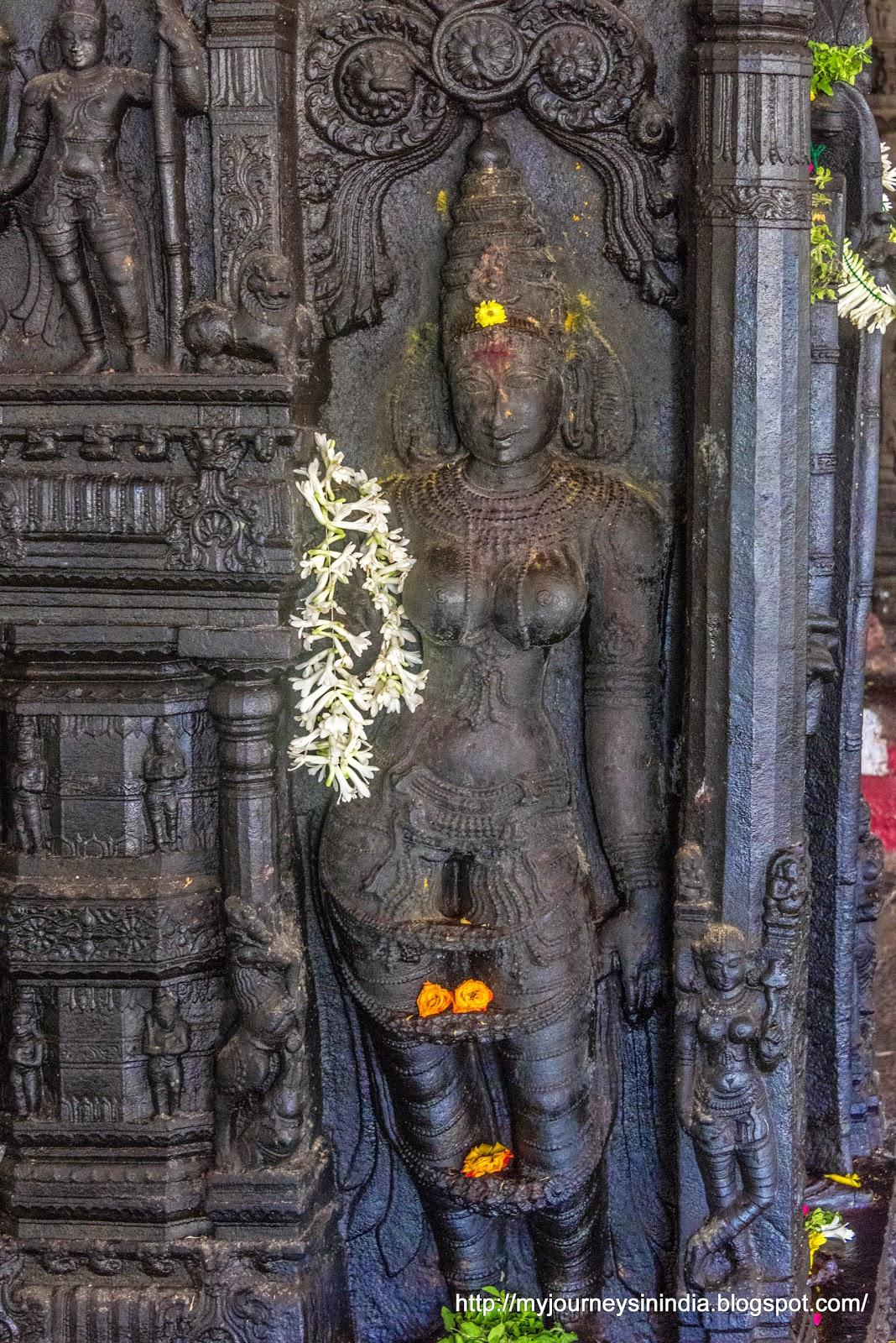 Kumbakonam Ramaswamy Temple Pillars
